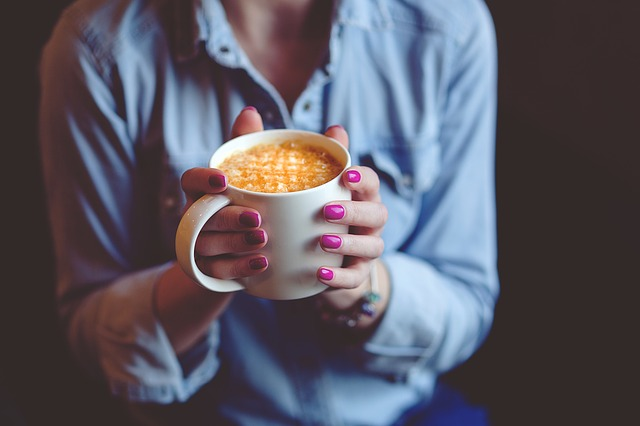Hrnek s kafem