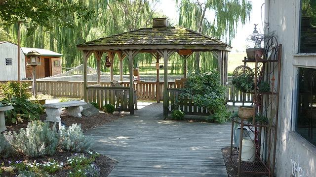 dřevěný altán